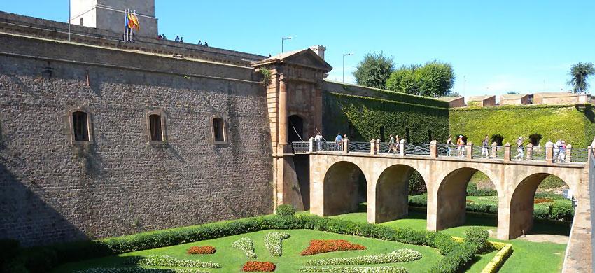 Castello di montju c barcellona for Alloggi a barcellona